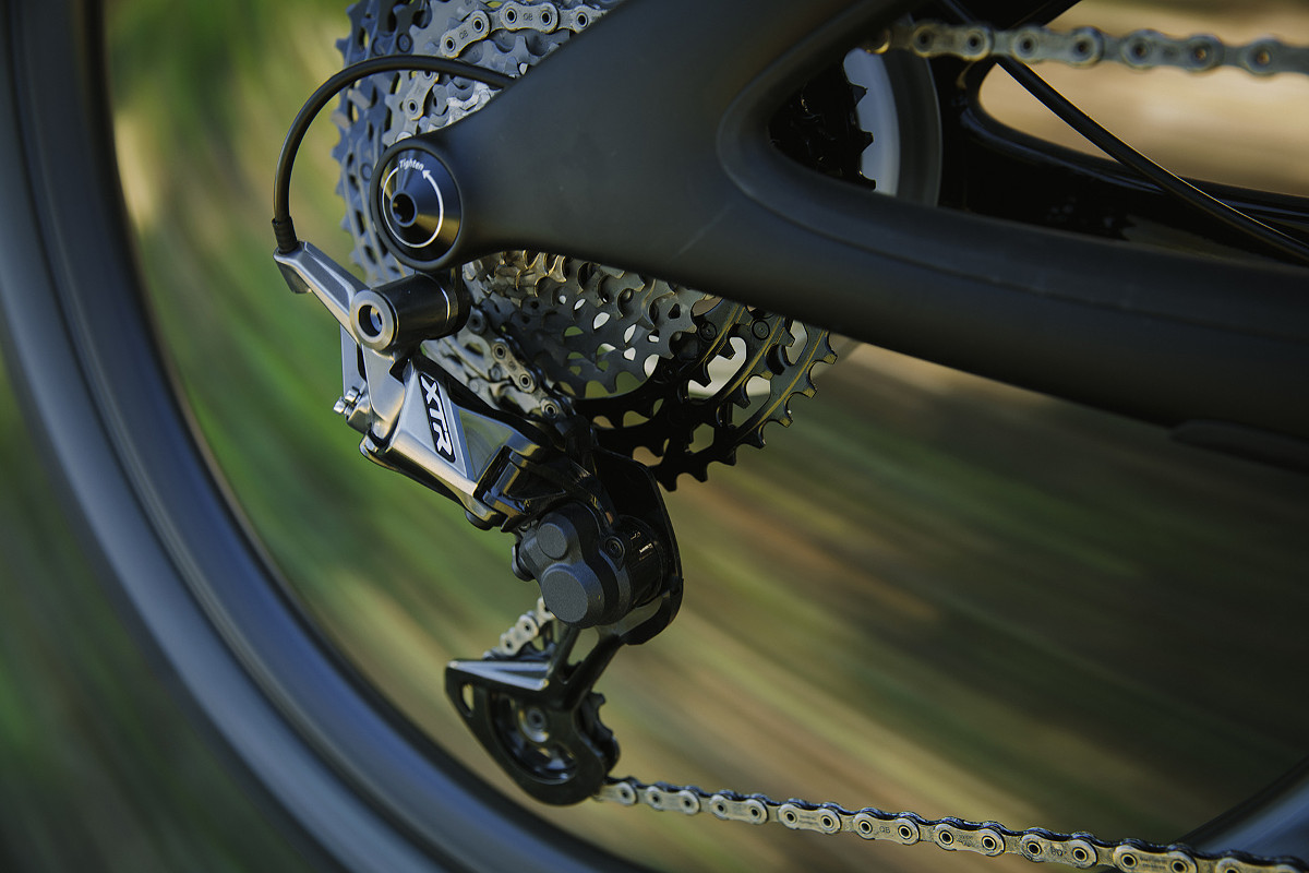 894c6937e8a 12 Speeds, Even Steps. While some of the new technologies introduced by  Shimano with the XTR M9100 groupset are themselves ...