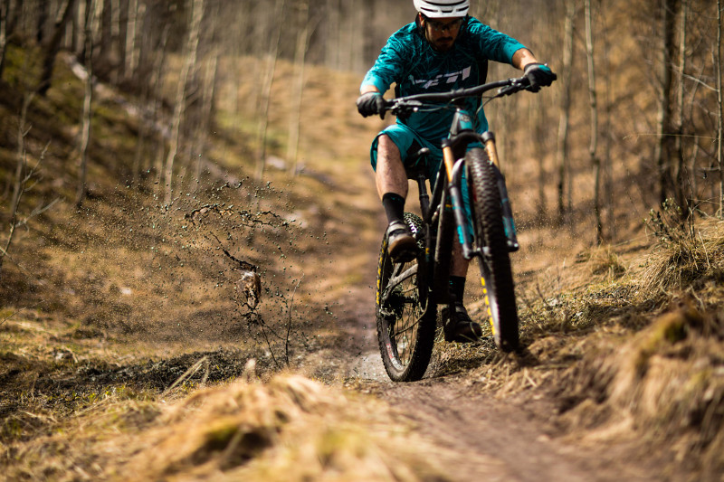 Yeti Cycles Brings Redesigned Models and Two Carbon Frame